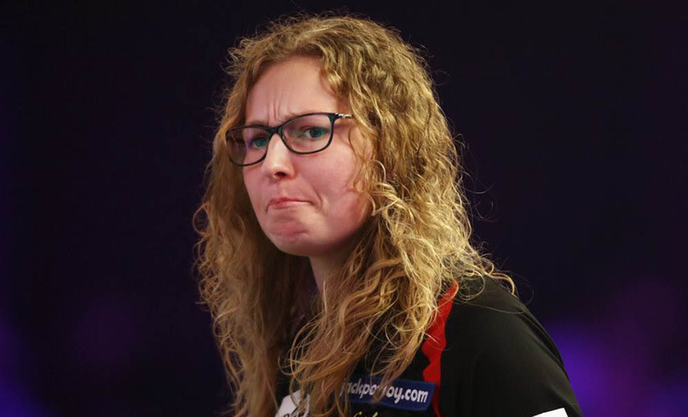 Aileen de Graaf wins the women's BDO World Trophy 2017