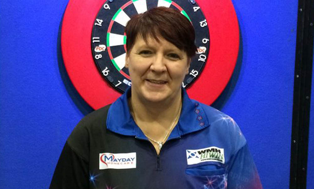 Lisa Ashton wins the women's BDO Dutch Open 2016