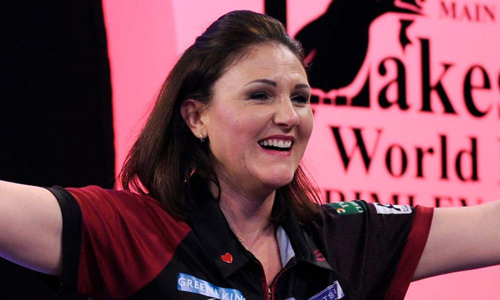 Lorraine Winstanley wins the women's BDO World Masters 2017