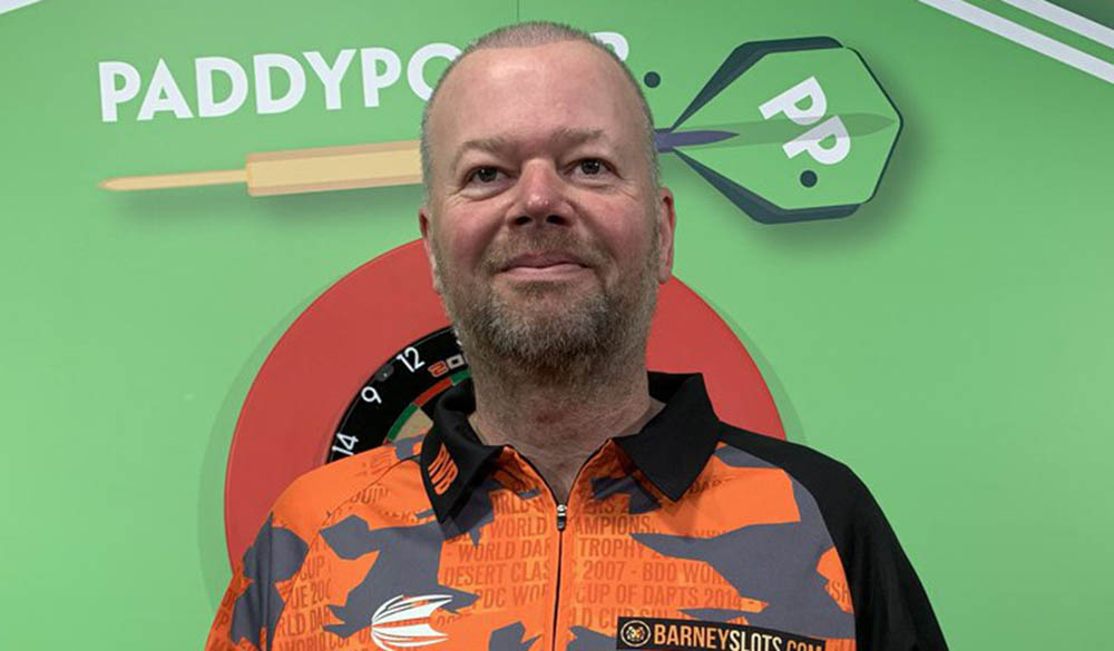 Raymond van Barneveld wins the PDC Players Championship 17 2011